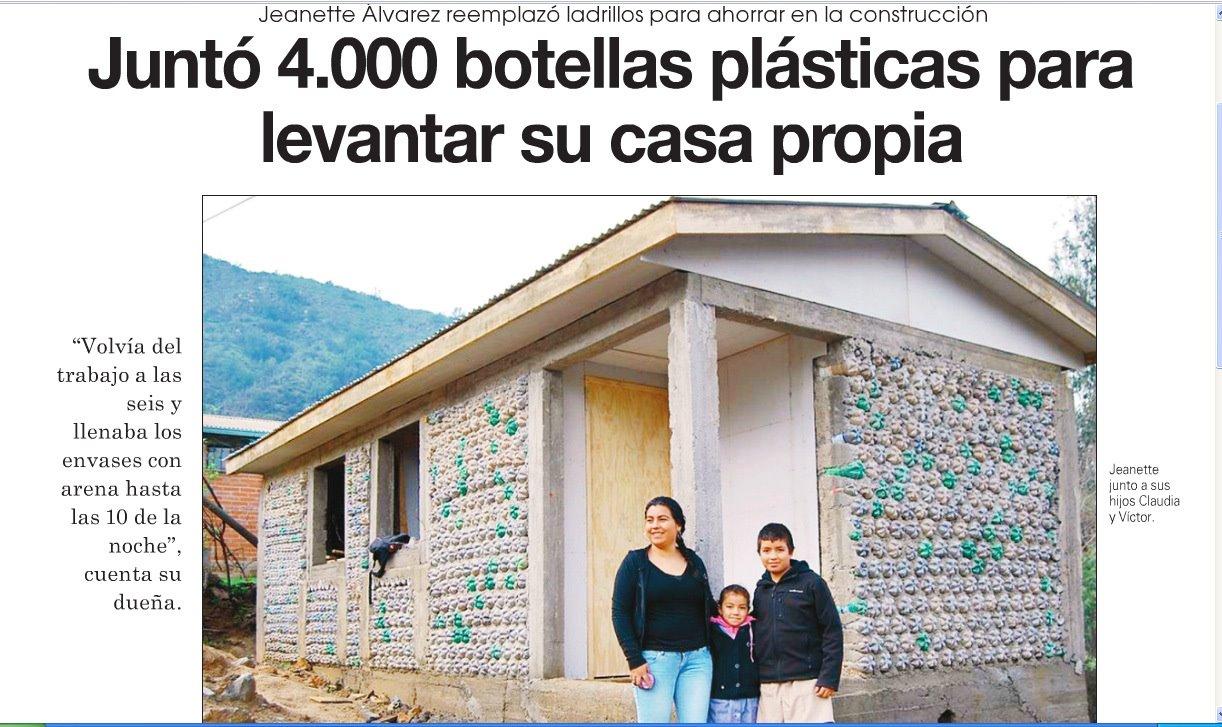 Juntó 4.000 botellas plásticas para levantar su casa propia