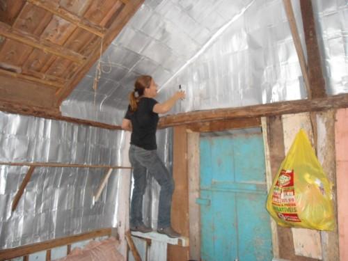 Aislante con desechos protege casas pobres en Brasil